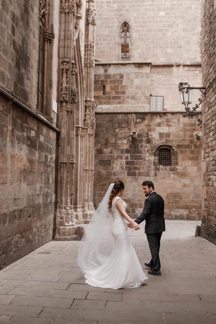 Post Wedding Barcelona Gothic center Photographer