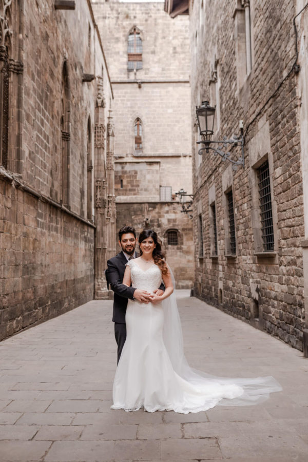Post Wedding Barcelona Gothic center Photographer