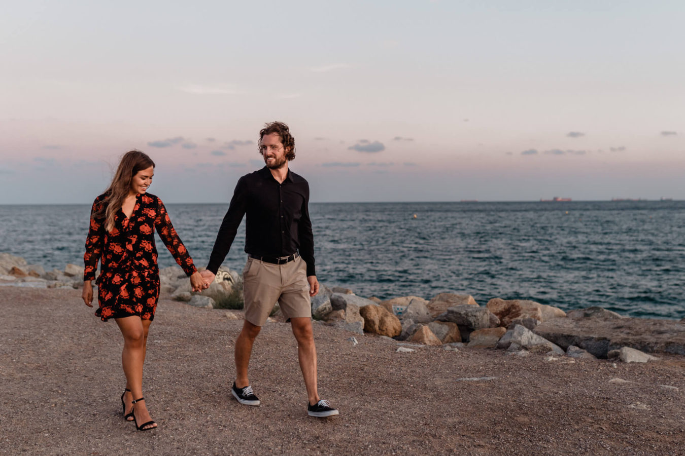 Surprise proposal beach Barcelona photographer_01